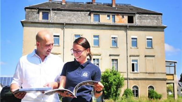 """Sächsische Zeitung vom 25.07.2018: """"Investoren trauen sich an Fuchsbau"""""""